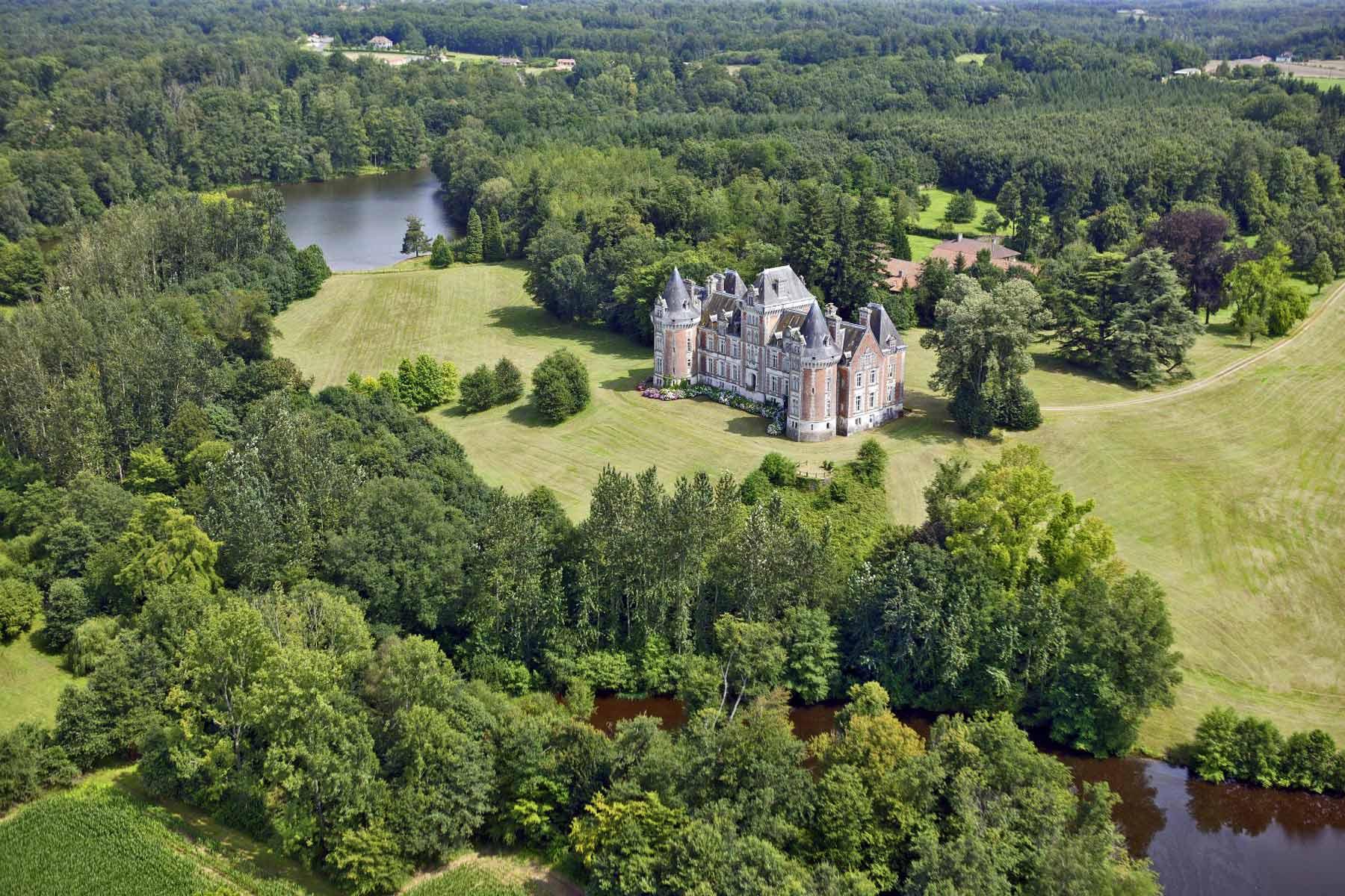 Luxury properties in Périgord and its region BARNES
